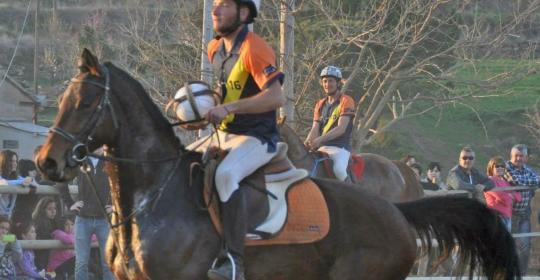 Nil Seall, jugador de Horseball,  torna a la competició després de la seva lesió de genoll